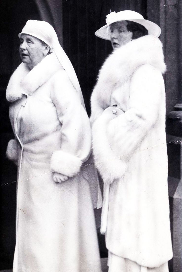 royal watcher Queen Wilhelmina (Wilhelmina Helena Pauline Maria) (31 Aug 1880–28 Nov 1962) Netherlands with daughter Crown Princess (and later Queen) Juliana (Juliana Louise Emma Marie Wilhelmina) (30 Apr 1909–20 Mar 2004) Netherlands.