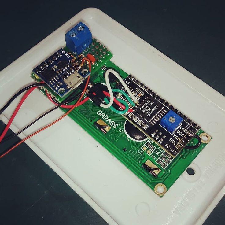 Quando a gambiarra tá ficando boa! . . . . #tachometer #speedometer #electronics #fritzenlab #soldering #diy #maker