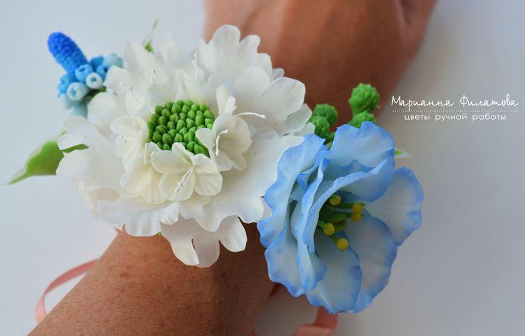handmade flowers . cold porcelain.bracelet