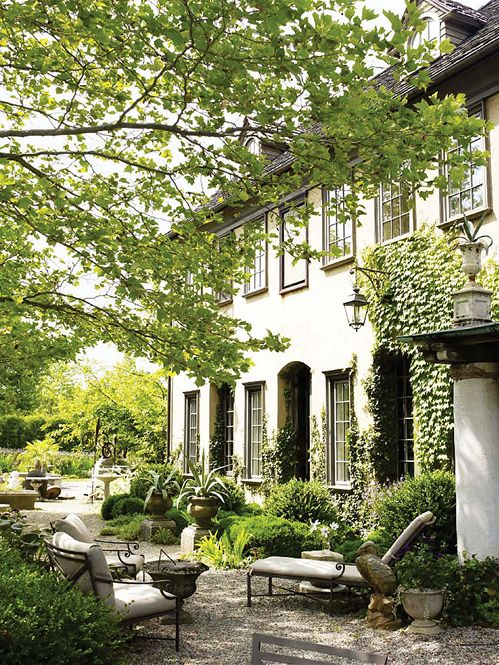 Patio Garden  Architects: Andrea Filippone and William Welch, Photographer: William Waldron, Elle Decor May 2012