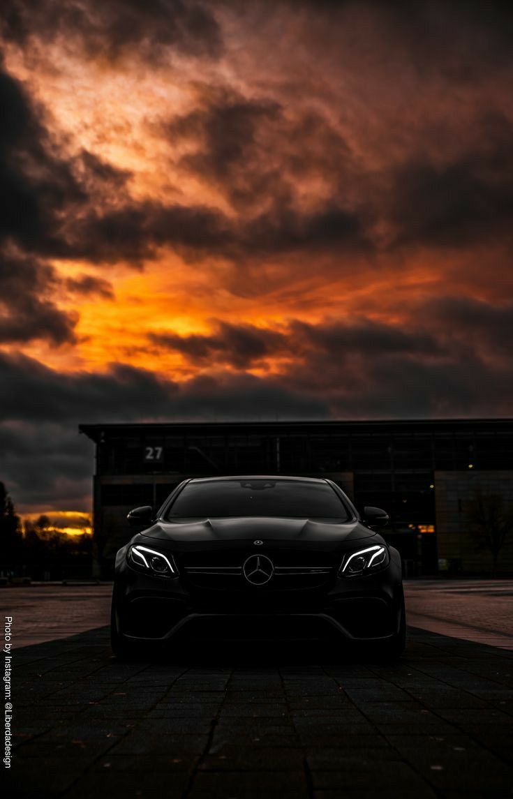 Pin By Sena On Exciting In 2021 Mercedes Benz Wallpaper Black Mercedes Benz Mercedes Truck