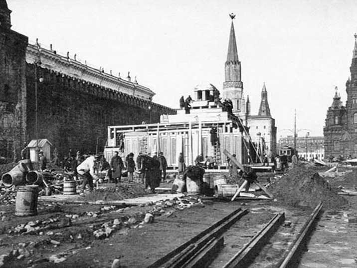 Construction of the wooden Lenin mausoleum on Moscow's Red Square