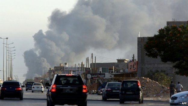 Leave Libya now, Foreign Office tells Britons - Source - BBC News - © 2013 BBC #Libya, #Britons