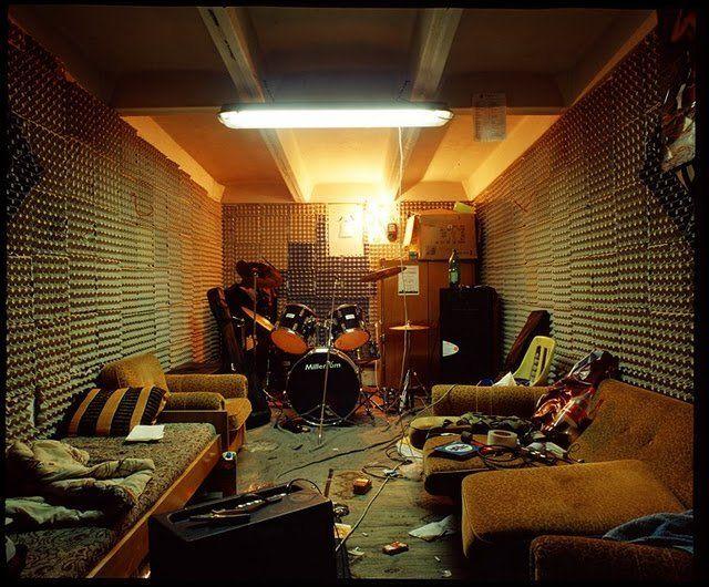 112 best f 39 n rock band room images on pinterest. Black Bedroom Furniture Sets. Home Design Ideas
