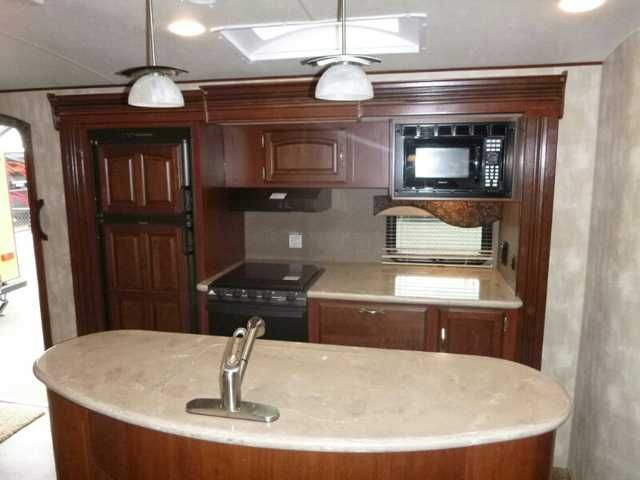 2015 New Winnebago Ultralite 28DDBH Travel Trailer in Oregon OR.Recreational Vehicle, rv, 2015 Winnebago Ultralite 28DDBH, FOR THE DISCERNING FIRST TIME RVER OR THE REPEAT BUYER LOOKING TO MOVE UP TO THE TOP OF THE LINE IN QUALITY AND FEATURES THE WINNEBAGO ULTRA LITE TRAVEL TRAILER WILL IMPRESS YOU. WHEN YOU STEP IN TO THIS TRAILER YOU KNOW THIS IS A CUT ABOVE THE COMPETITION. BEST OF ALL... AT THIS GREATLY REDUCED PRICE YOU CAN HAVE THE BEST FOR LESS!! One at this price, sale price ends on…