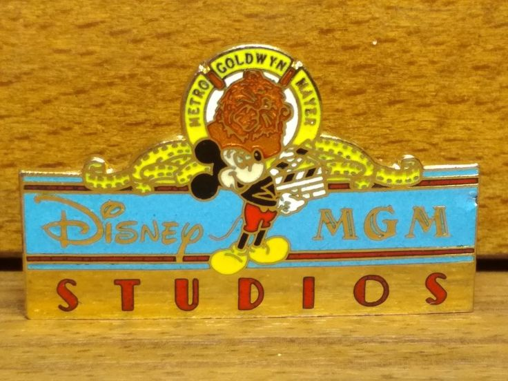 Vintage Emblem Pin Disney MGM Studios Mickey Mouse Leo 1987 Logo Made in Taiwan