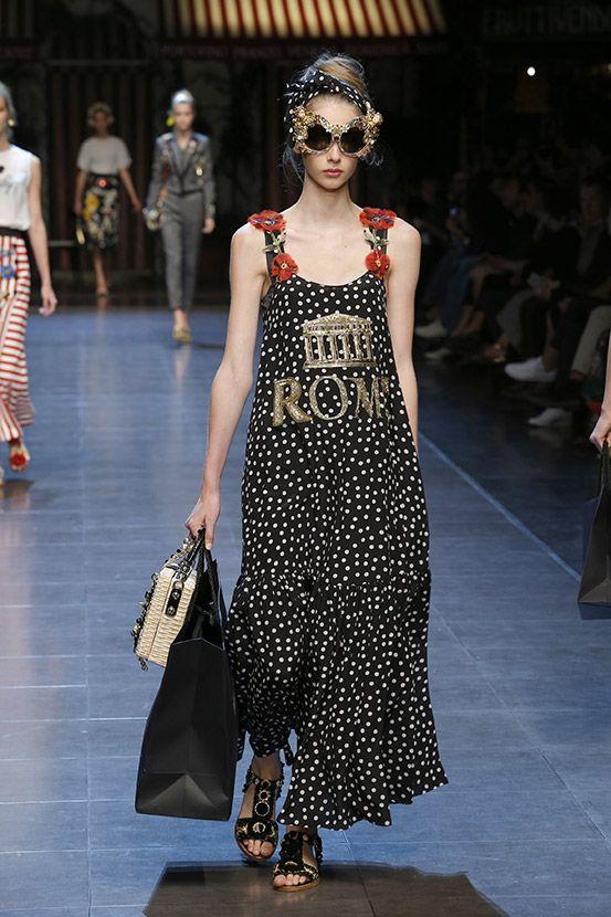 #ItaliaIsLove Dolce&Gabbana Spring Summer 2016 Women's Fashion Show. #runway#spring_summer2016#italy#perfect#designer#fashion#haute_couture