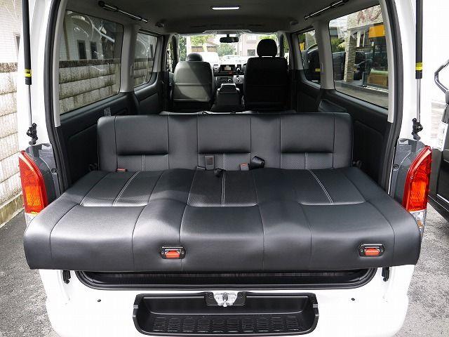 ハイエース 維持費の安い4ナンバー8人乗りfd Box5に1300mmシートデビュー ハイエース 車 内装 ハイエース カスタム