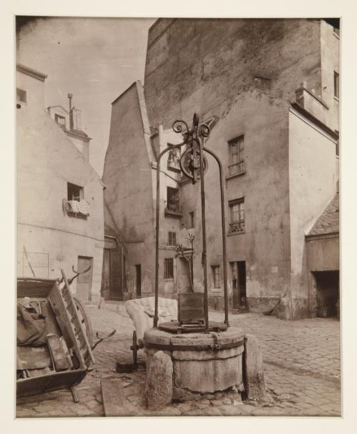 Eugène Atget, Rue St. Jacques, Paris, 1899.