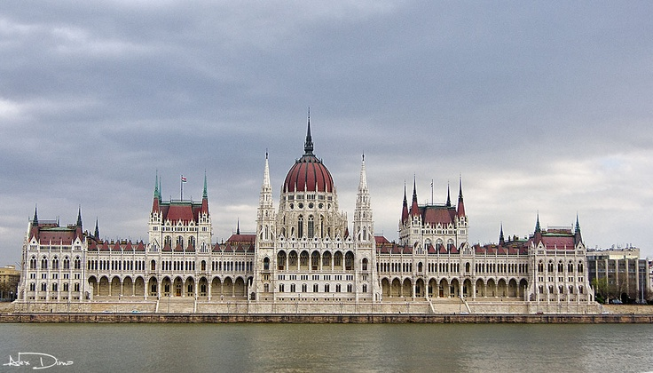 The hungarian Parlament.