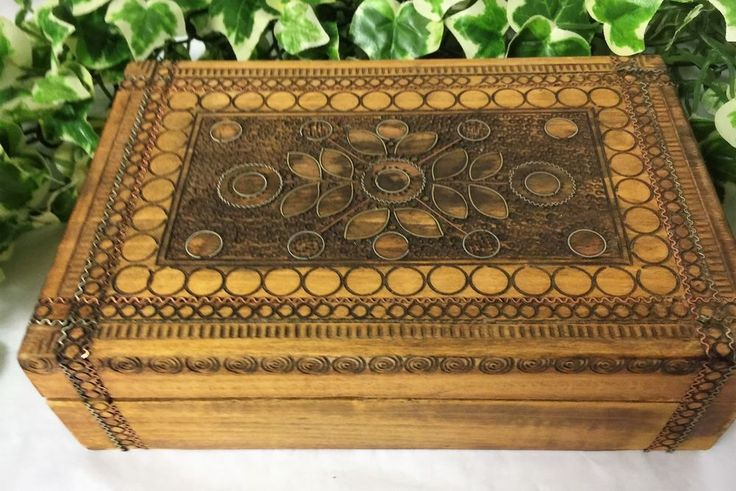 Vintage Unique Hand Crafted Wood Cigar Box with Copper & Silver Wire Inlay