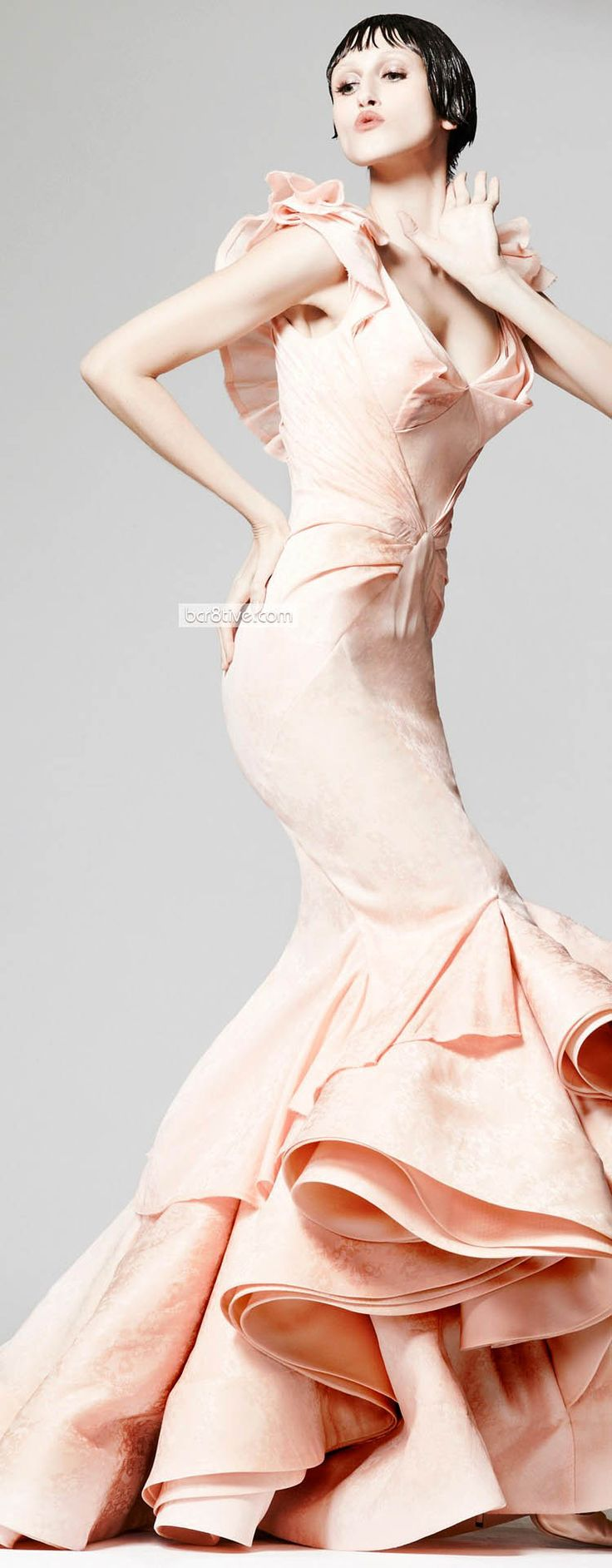 لعروس 2013 فى ليلة عمرهاباسيل صودا وارقى الفساتينأزياءدوناتيلا فيرساتشي لخريف