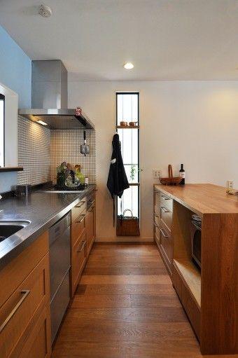 数人でも調理ができるゆったりとしたキッチンスペース。