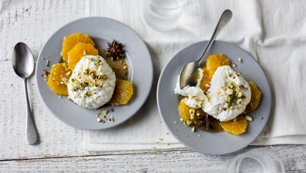 Warm, spiced oranges with labneh |      Labneh is a thick strained yoghurt that is easy to make using natural yoghurt. Topped with warm spiced oranges it makes a wonderful breakfast or light dessert. With a GI of 39 this meal is high protein, low GI and  provides 193 kcal per portion.