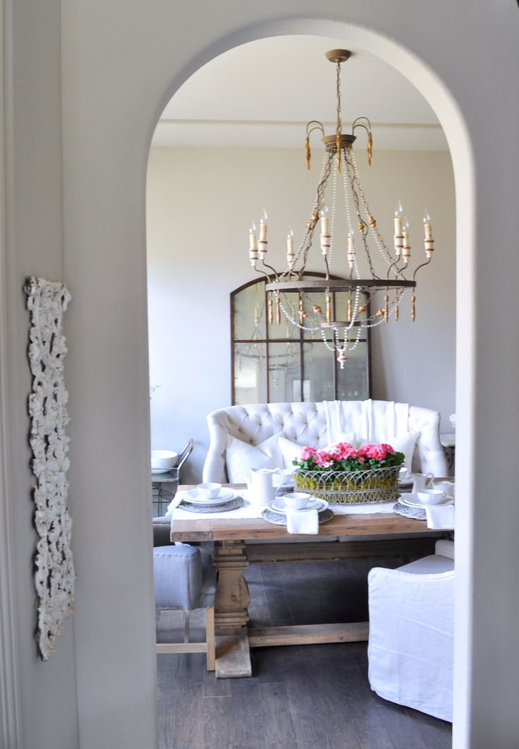 536 best d i n i n g r o o m s images on pinterest for Beautiful white dining rooms