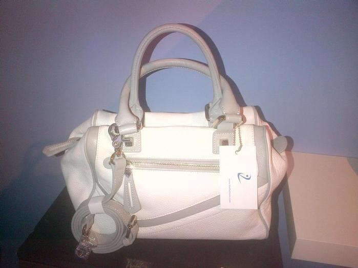 DISSONA, Italy, Imported Genuine Leather Purse/Handbag