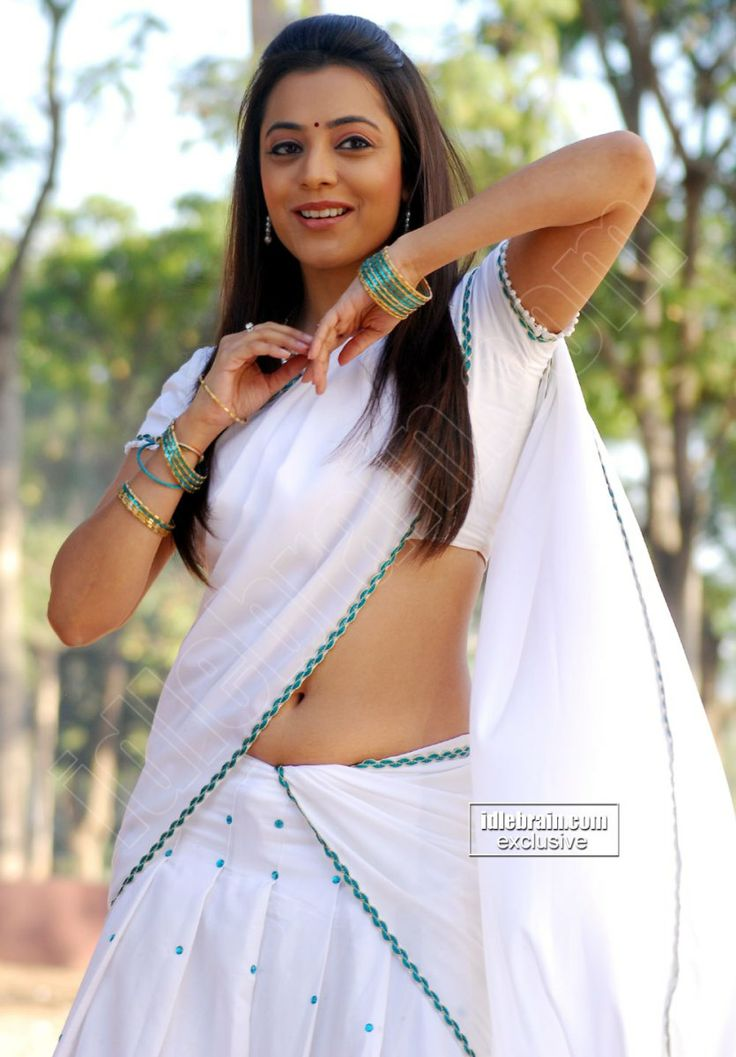 Nisha Agarwal Showing Her Hot & Sexy Plumpy Navel In White Saree & Blouse.Spicy Pics