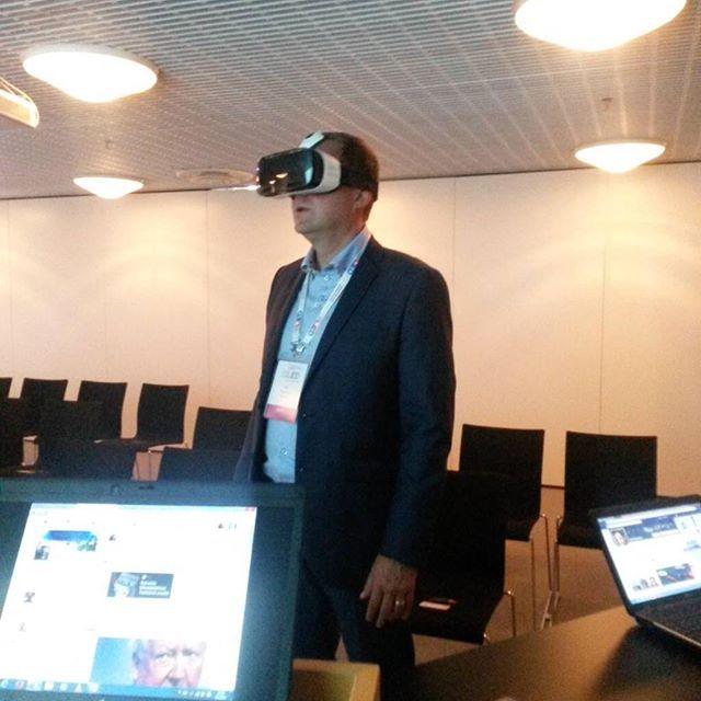 An awesome Virtual Reality pic! Saimme testiin Samsung Gear VR lasit. Huikeita elämyksiä tiedossa ! #virtuaalitodellisuus #vr #virtualreality #elämyksellinen #oppiminen #hanke #lukiot #opetus #opetushallitus #samsung by muuramenlukio check us out: http://bit.ly/1KyLetq