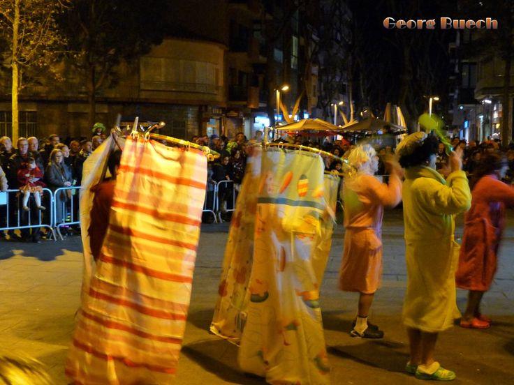 Gran Rua de Carnaval en Castelldefels ciudad el 6 de febrero de 2016.