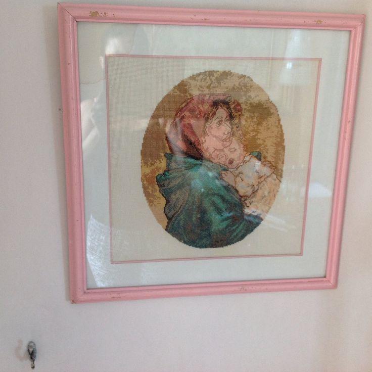Cuadro bordado en punto de cruz la madre y El Niño $15.000