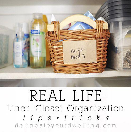 mandjes, dekens ,dekbeds voorraad aan badspullrn , evt handdoeken, kruik, drogisterij artikelen, strijkijzer en strijkplank,  geurzakjes