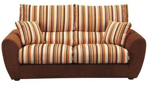 おすすめのリクライニングソファー!ニトリで買った3人掛けの座り心地は? もはや家族の一員です♪買ってよかったニトリの3人掛けソファー