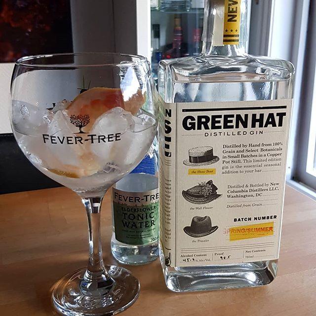 Green Hat Summer Gin Fever Tree Elderflower Tonic Water grape fruit. #gintonic #gin #gt #tonic #dandywithlens DandyWithLens.com