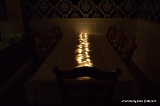 LIGHTS UNDER BURLAP TABLE-SCAPE {KID FRIENDLY}