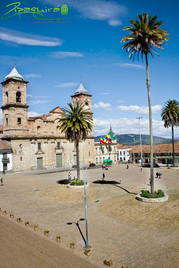 Feliz cumpleaños a #Zipaquirá en sus 415 años de historia y fundación Hispánica. #Zipaquiráturistica #FestivalSalinero2015 #Colombia #larespuestaesCOlombia