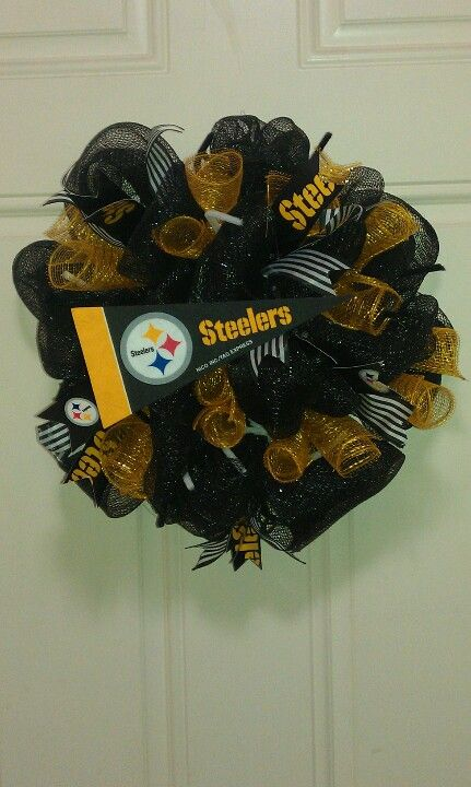 Usually not into this kind of stuff, but I think my mum would actually put this on her door...! #Steelers