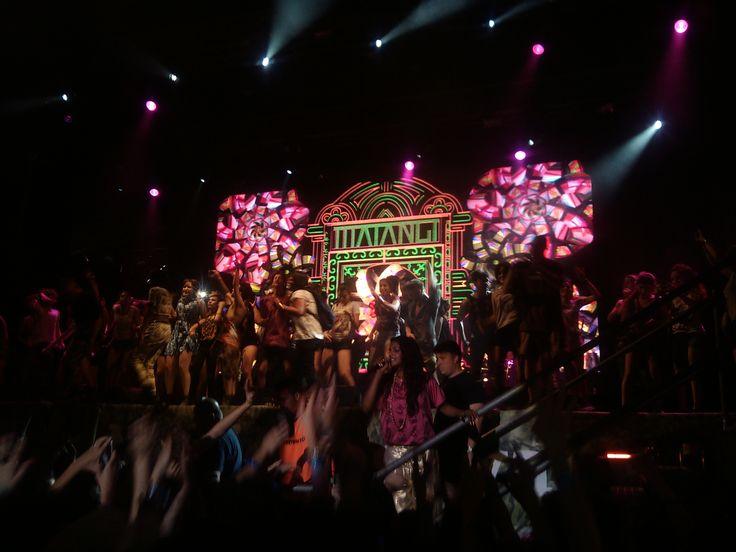 La #ComunidadMovistar arriba del escenario y #MIA abajo. #Fiesta