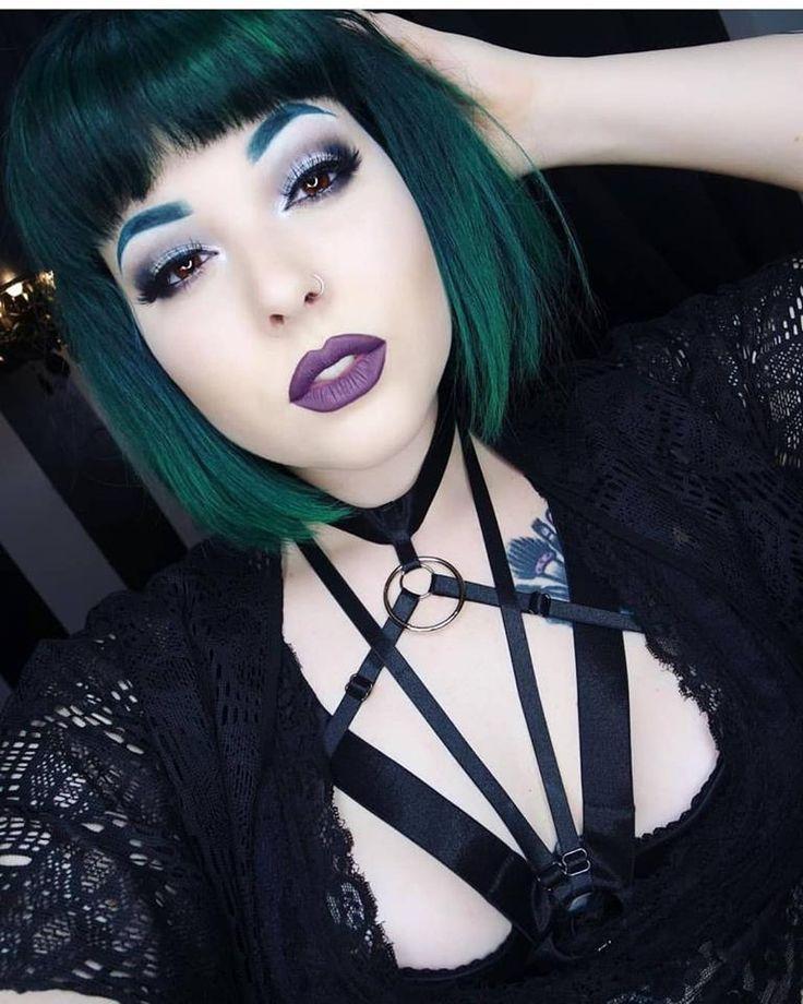 Coloredbeauties Crazycolours Haircoloring Hairgoals Emo Alternative Hair Goth Cute Girl Piercing Tattoo Gothic Hairstyles Goth Hair Dark Green Hair