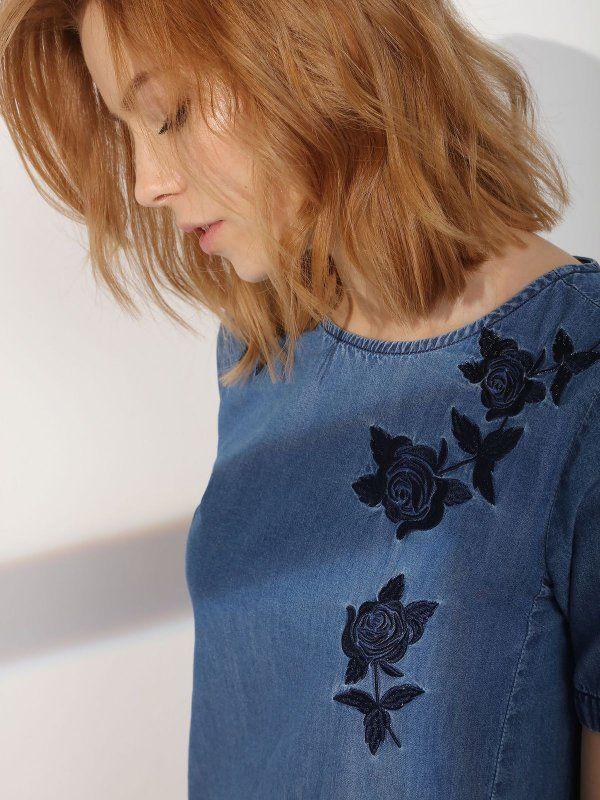 sukienka damska z aplikacją niebieska - SSU1782 TOP SECRET