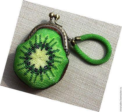 """Вязание ручной работы. Набор для вязания бисером. Монетница """"Киви"""". Вязание…"""