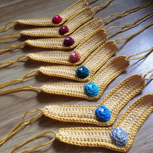Ravelry: Sailor Moon Crocheted Tiara pattern by Michelle Ribar