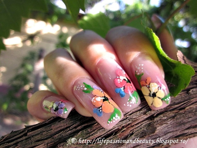 Colorful flowers, colorful nails