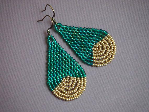 Boucles d'oreilles larme de perle de rocaille AB turquoise et or et de lumière. or « dip » l'air. Boucles d'oreilles de perles en forme de larme. en brique turquoise et or boucles d'oreilles.