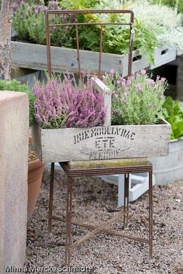 Another repurposed crate. Gee, we're so inventive, but this is adorable. Maybe we can put it on the old farm house table for afternoon lunch....