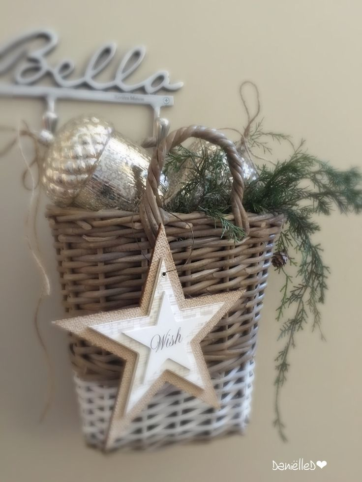 Natural colors, Christmas basket.