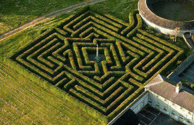 Il labirinto di Russborough in Irlanda
