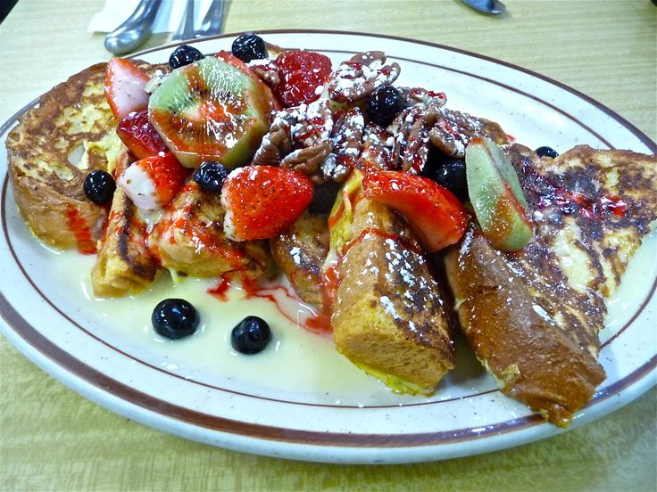 Modern Diner in Pawtucket, R.I., earns best diner dish in America by the Food Network for its custard French toast. Read about the honor in our Best Diners article: http://visitingnewengland.com/blog-cheap-travel/?p=5995 #custardfrenchtoast