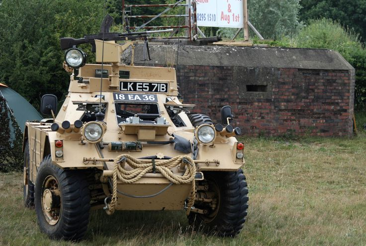 https://flic.kr/p/8ppYKo | Lingfield Steam & Country Show - Daimler Ferret Scout Car with Pillbox