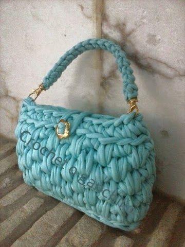 Crochet o ganchillo: Bolso de mano trapillo aguamarina