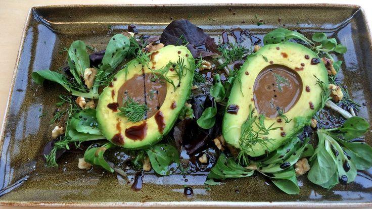 Avokado med balsamicovinaigrette