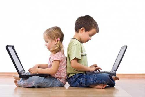 Tablet, smartphone e bambini: l'esempio viene dai genitori