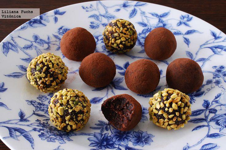 Receta de trufas de chocolate veganas. Con fotos del paso a paso, consejos y sugerencias de degustación. Recetas saludables para San Valentín. Sn...