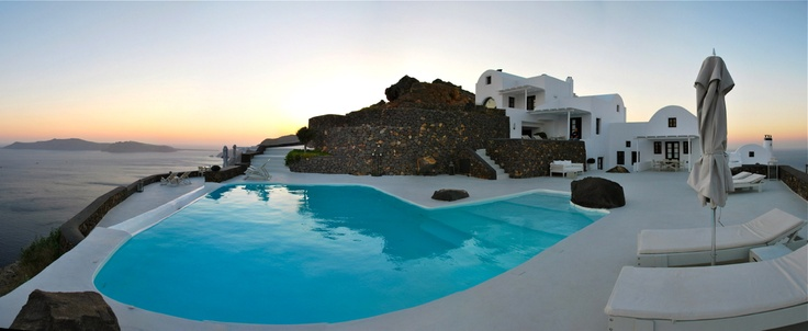 Panoramic views on both the east and the west side of the Aegean Sea ... Aenaon Villas, Santorini
