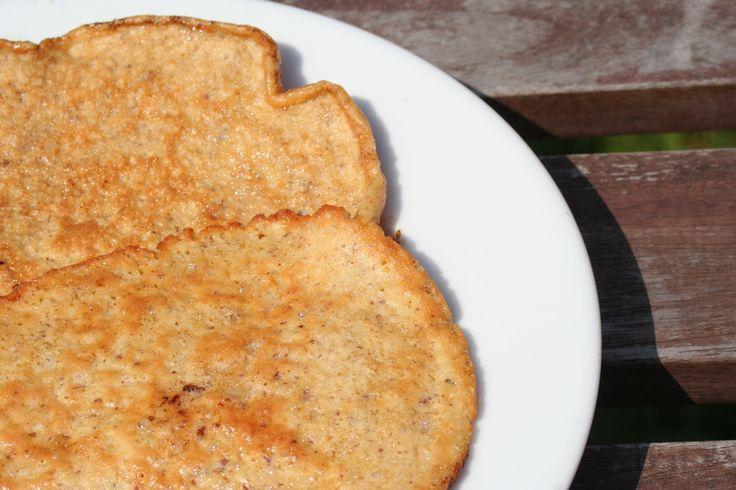 Das beste Low Carb Pancakes Rezept um auch ohne Kohlenhydrate einen Pancake zu genießen. Er geht einfach und schnell und schmeckt super!