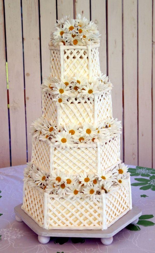 Lattice Daisy Cake