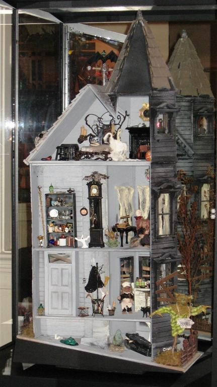 Haunted doll House. 365 from halloween 2013 to make this for next year